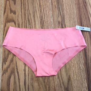 NWT Victoria's Secret No Show Sexy Hiphugger Panty